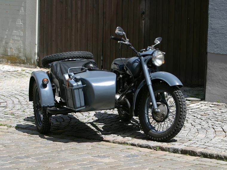 Oldtimer Motorrad bei der KFZ-Werkstätte Bialas in Aßling